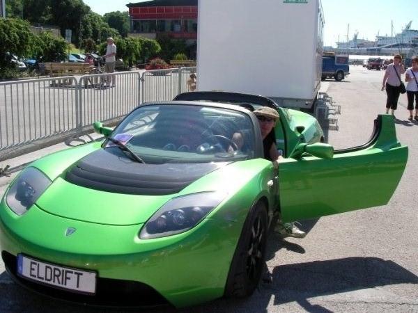 En elbil för 1 miljon är snabb!