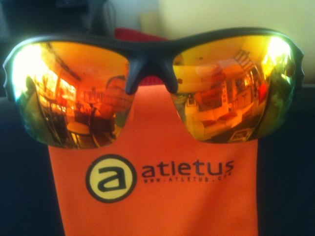 Sportglasögon från atletus.