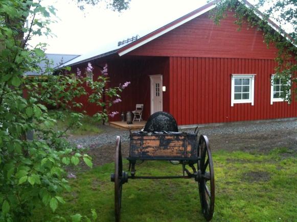 Nybyggt stall på Höylandet i Norge.