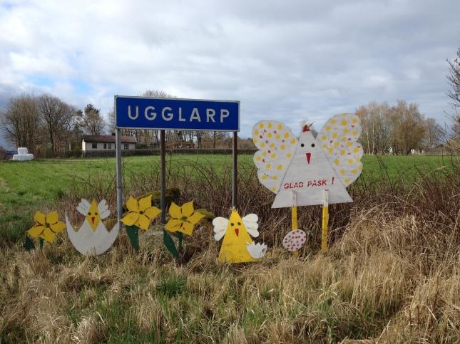 Glad Påsk tycker Ugglarps borna å jag!