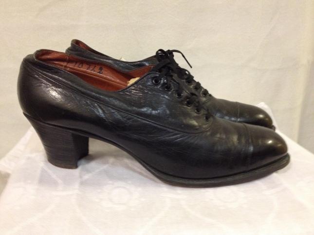 En riktig kilklack, sprängning eller drop på denna gamla sko!