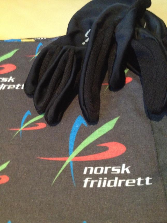Ha alltid handskar i träningsväskan! Kanske en norsk bandana åxå?