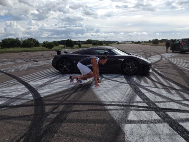 Att tävla mot en Koenigsegg är högintensiv träning!
