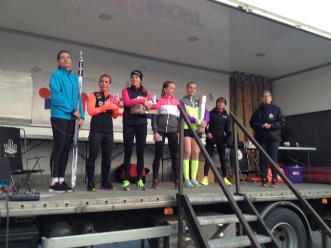 Sensationellt var alla tio tjejerna på prispallen i Eksjö under 40 minuter!