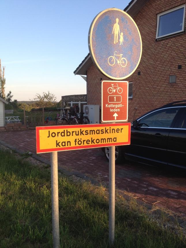 Sådana informationsskyltar finns väl bara i Halland?