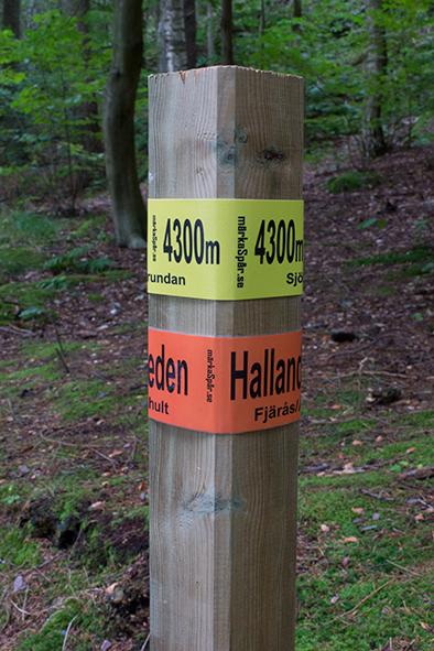 Här går tydligen Hallandsleden och en slinga som är 4300 meter lång!